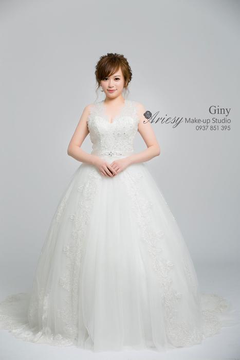 Giny,愛瑞思造型團隊,Dream婚紗工坊,新娘秘書,清透妝感,鮮花造型,BECK Photo Studio,Beck攝影,蓬鬆線條盤髮,自助婚紗
