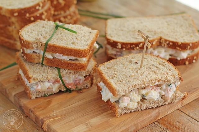 Sandwich de salmon ahumado y manzana www.cocinandoentreolivos.com (4)