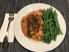 Chicken piccata with steamed fresh green beans