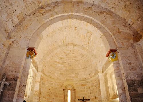 Abajas (Burgos). Iglesia de Nuestra Señora. Interior. abecera