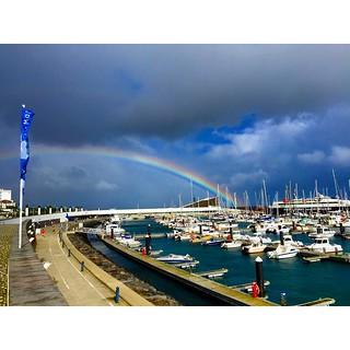 Полюбуйтесь видами нашей марины Ponta Delgada Azores - небо меняется каждые пол часа. #Азоры #Azores #SunMigel #yachtschool #sailing #sailingschool #yacht #yachting #яхтдрим #яхтинг #яхтклуб #yachtlife #яхты #sailingboat