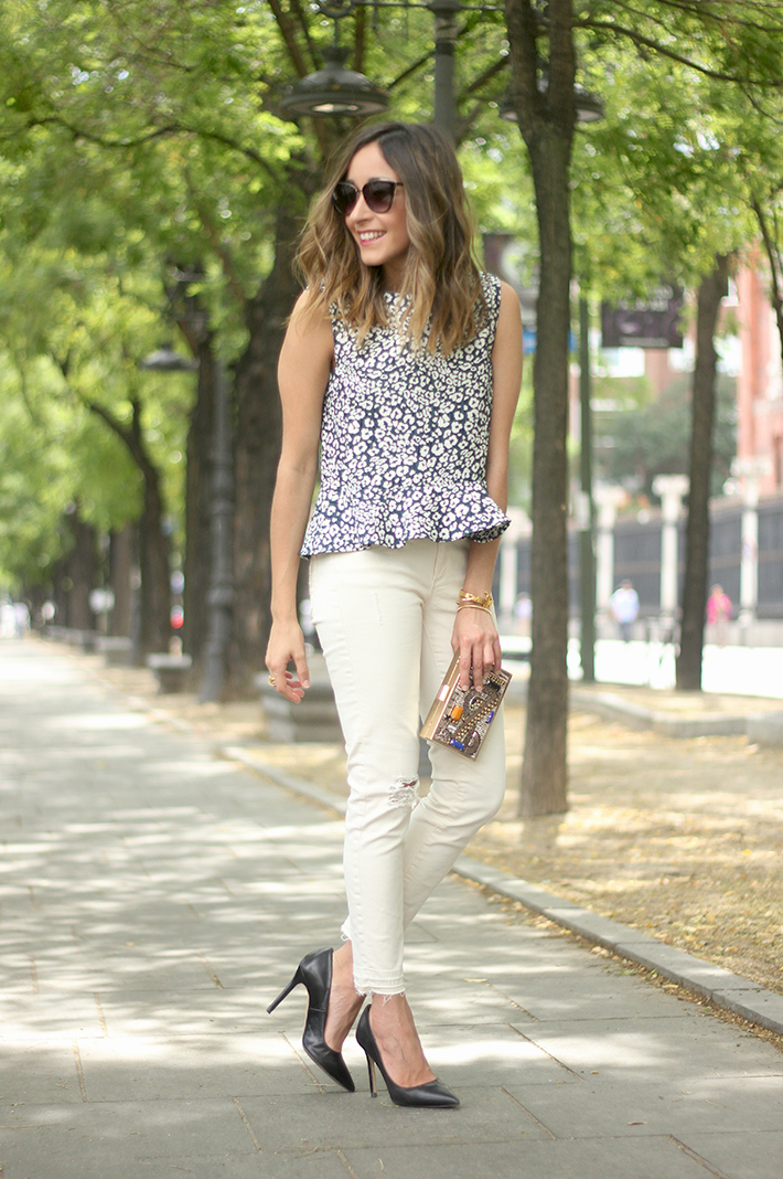 White Jeans Peplum Top Leopard Print Outfit black Heels 04