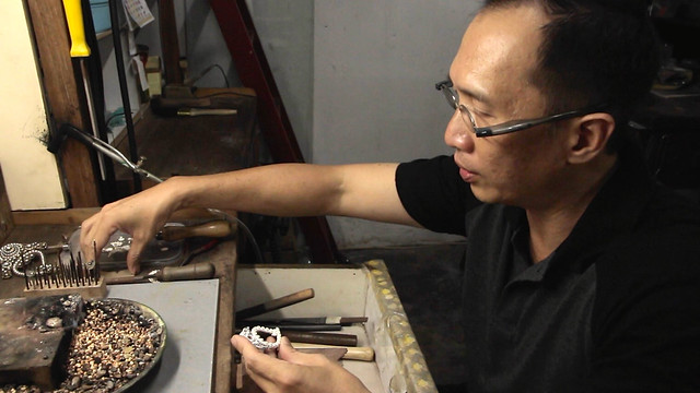 GRANDMOTHER'S PERANAKAN BROOCH • Jeweler Shows How to Make • George Town • MALAYSIA-7