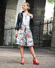 New #OOTD live on cocoetlavieenrose.com #fashion #fashionblogger #liveauthentic #thatsdarling #thehappynow #flashesofdelight #petitejoys #LiveColorfully #nothingisordinary #tbt #italy #cocoetlavieenrose