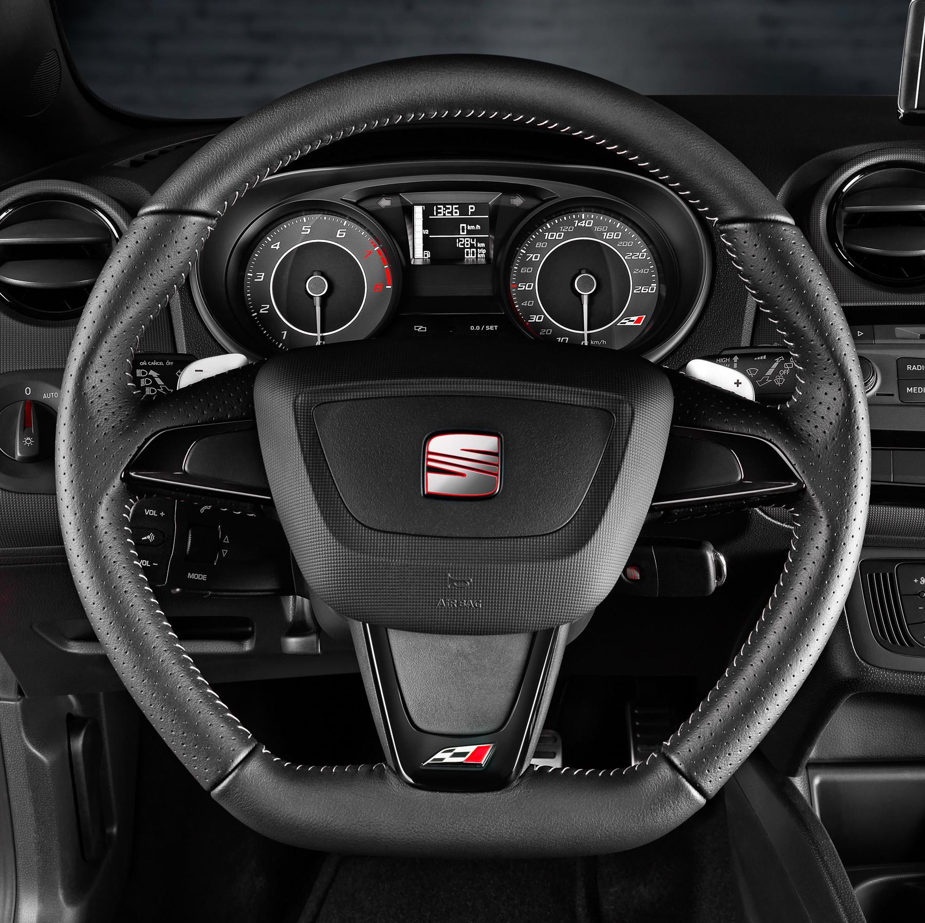 Руль и приборная панель SEAT Ibiza Cupra
