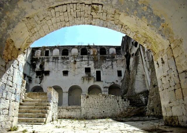 Casamassima- monastero di SAnta Chiara- Lavori in corso-L'ingresso del Monastero (1)