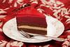Шоколадный торт со смородиновым муссом