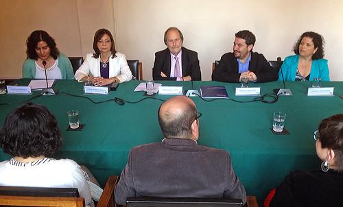 Universidad de Chile y MOVILH firman inédito convenio contra la homofobia y la transfobia