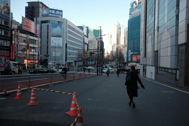 煩悩 [機材沼] : 新宿の朝(1)