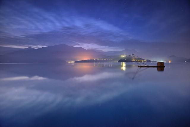 日月潭~拂曉流雲~ Sun moon lake dawn