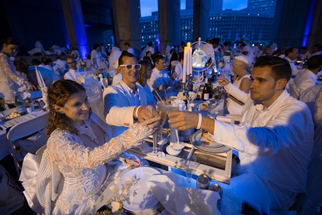 Diner en Blanc Boston by Jennifer Hefner, Vita Images (3)