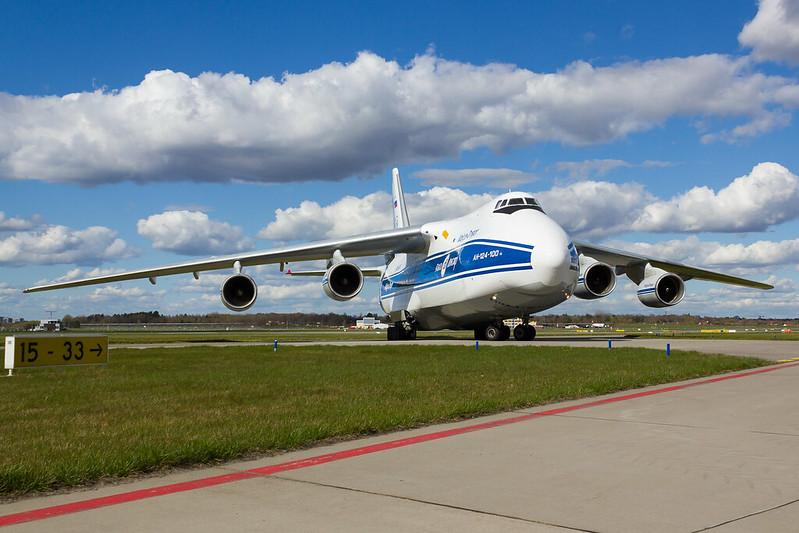 Volga Dnepr Airlines - A124 - RA82042 (2)