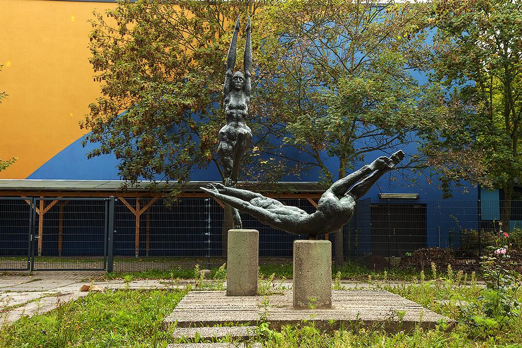GDR statue in Grunau--Leipzig