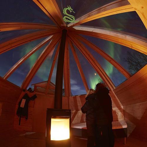 #norwaylights  #northernnorway #northernbuzz #crystal #lavvu #crystallavvu #northernlights #auroraborealis #aurora opening our new crystal lavvu @greengoldofnorway @alexvizeo @littlegypsyjoke @northernnorway #visittromso  #visitnorway