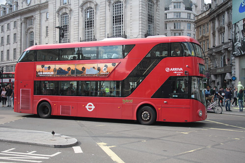 Arriva London North LT5 LTZ1005
