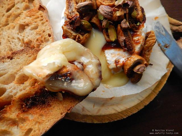 Camembert cu smochine si fistic