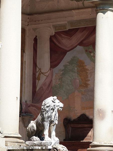fresque et lion