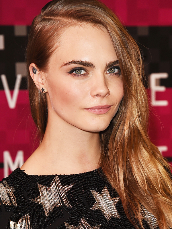 Cara Delevingne VMA 2015 Hair and Makeup