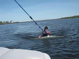 Tony wakesurf