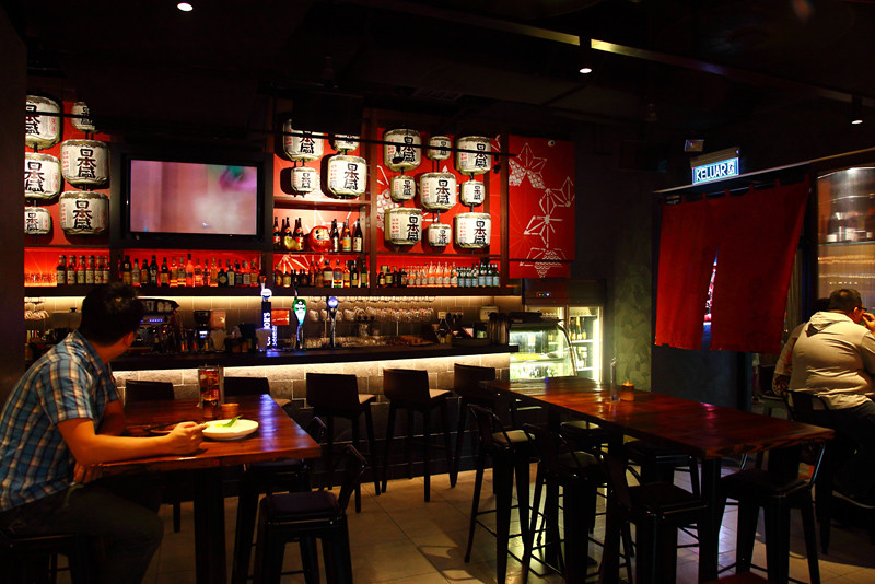 Hana-Sake-Bar-Area