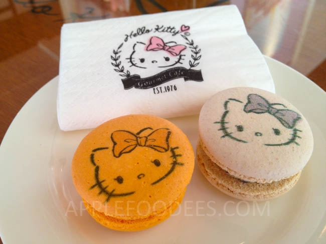 hello-kitty-cafe-macarons (2)