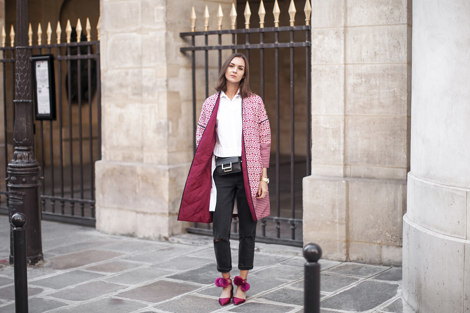 printed-coats-pom-pom-shoes-outfit