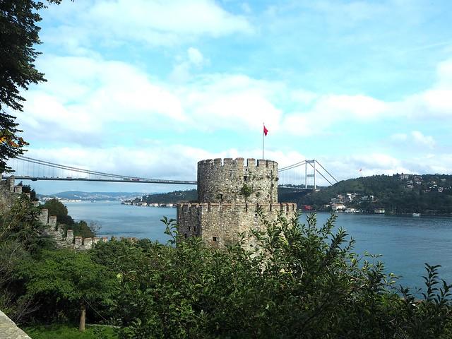 istanbulPA191225,istanbulPA191176,istanbulPA180875,istanbul.city1, city, kaupunki, loma, holiday, matka, trip, vinkit, tips, fiiliksiä, istanbul vibes, kokemukset, kokemuksia, istanbul, turkki, turkey, matkustus, travel, travelling, eurooppa,, europe, asia, aasia, side, puoli, risteily, cruise, golden horn, kultainen sarvi, bridges, mosques, bosphorus, bospori, bosporinsalmi, moskeija, silta, köprusu, bosporinsilta, bogazici köprusu, ortakäy, laiva, lautta, ferry, risteily, maisemat, view, nähtävyydet, sightseeing, moskeija, riippusilta, rumelihisari, linnoitus, fatif sultan mehmet. rumeli fortress, bridge, f.sultan mehmet bridge, view, maisema, asian side, aasia, asia,