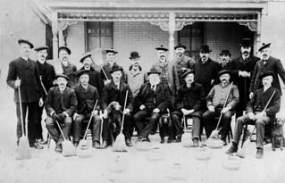 Ottawa Curling Club, Ontario. Champion and vice teams for gold pins, 1903 / Club de curling d'Ottawa (Ontario) : équipes championne et finalistes s'étant disputé les épinglettes d'or, 1903