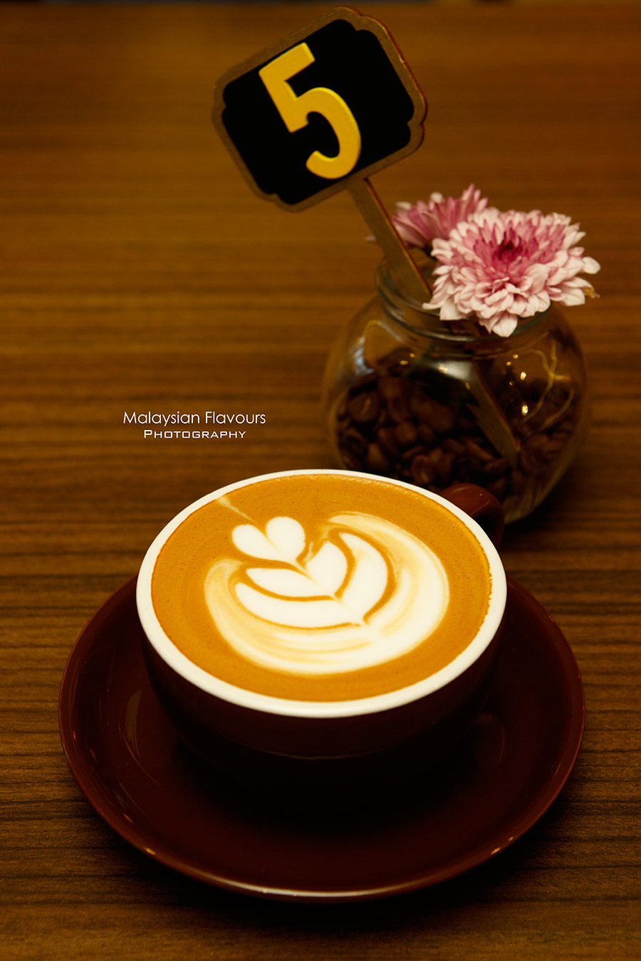 kingstreet-cafe-taman-seputeh-kl-when-coffee-meets-furnitures