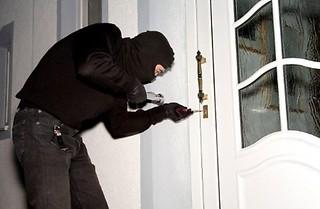 Conversano- ladri svaligiano abitazioni
