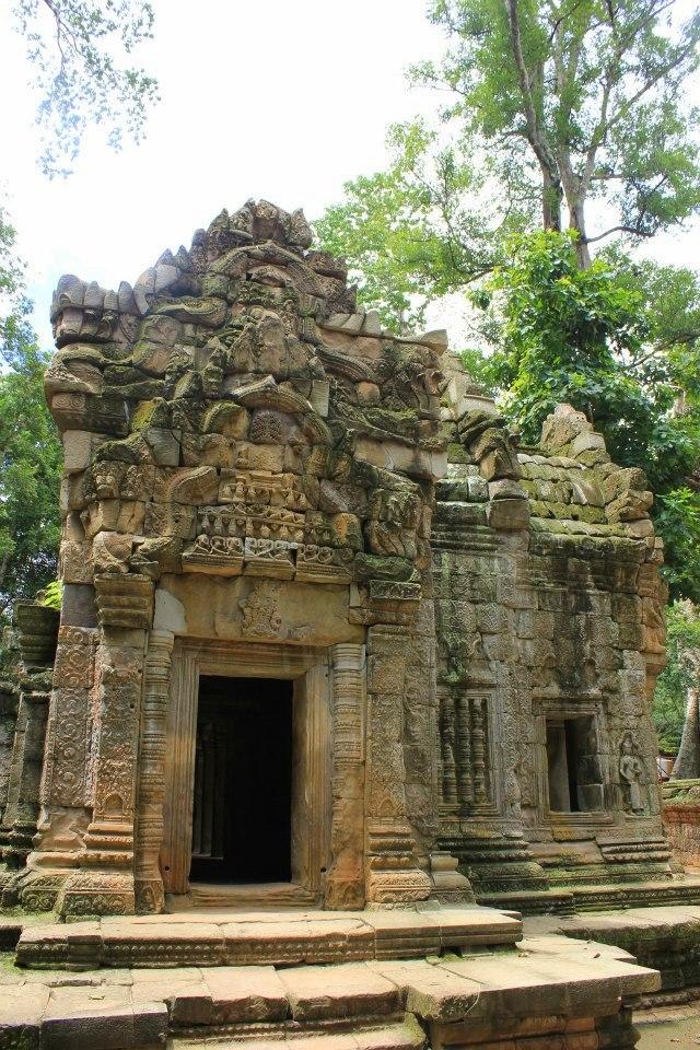 #travelbloggerindia #cambodiatourism #siemreap #angkor #taprohm