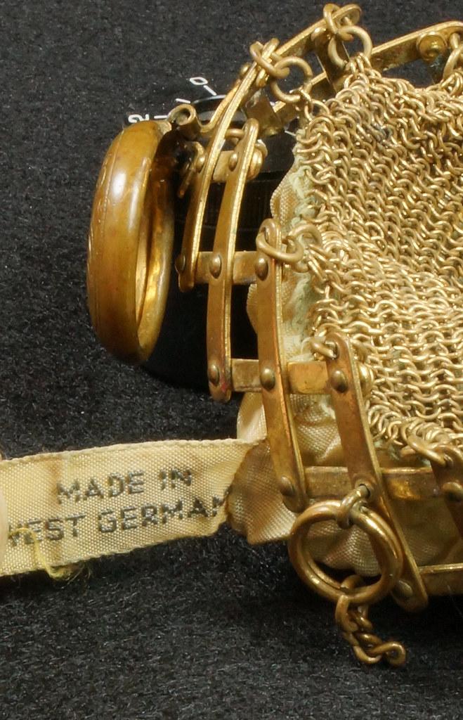 RD9267 Vintage West Germany Brass Expanding Ladies Mesh Link Purse Handbag DSC07892