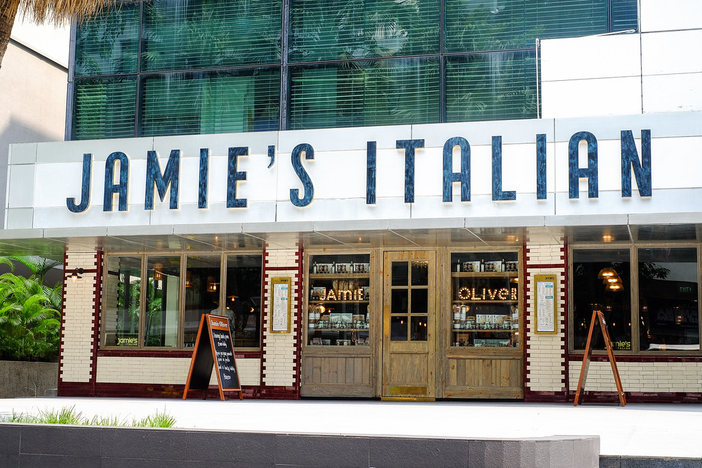 Jamie's Italian by Jamie Oliver标牌