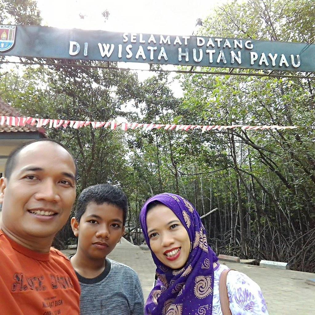 We are Forester di #hutan #mangrove #cilacap Wana Wisata Hutan Payau Tritih-Cilacap