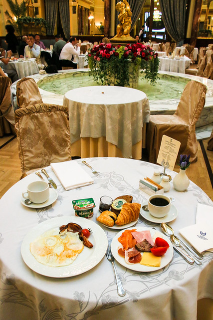 Breakfast at Hotel Metropol Moscow, Russia モスクワ、ホテル・メトロポールの朝食