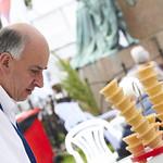Di Rollo ice cream | The ice cream guys at Di Rollo have been kept busy this Book Festival © Helen Jones