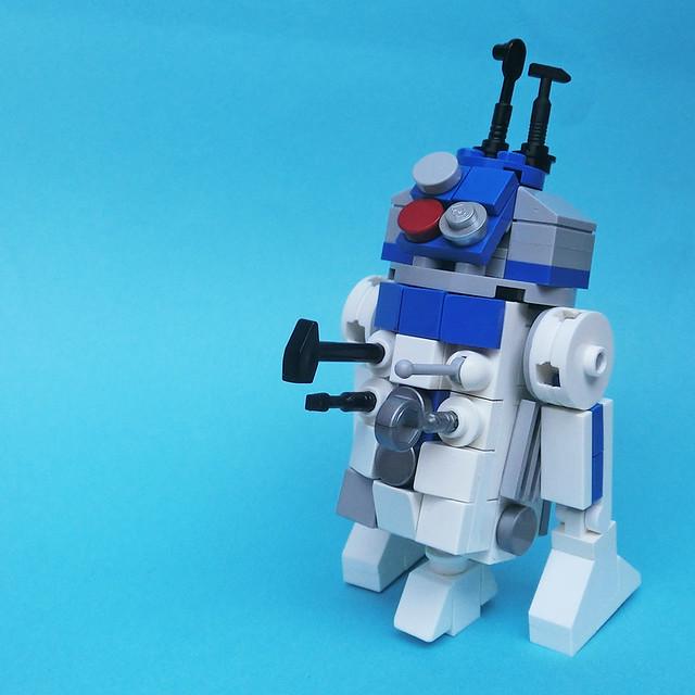LEGO: R2-D2 (3 inch)