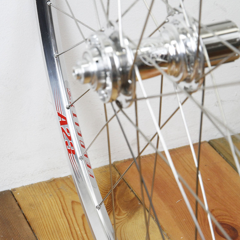Velocity A23 Rim × White Industries CX135 hub