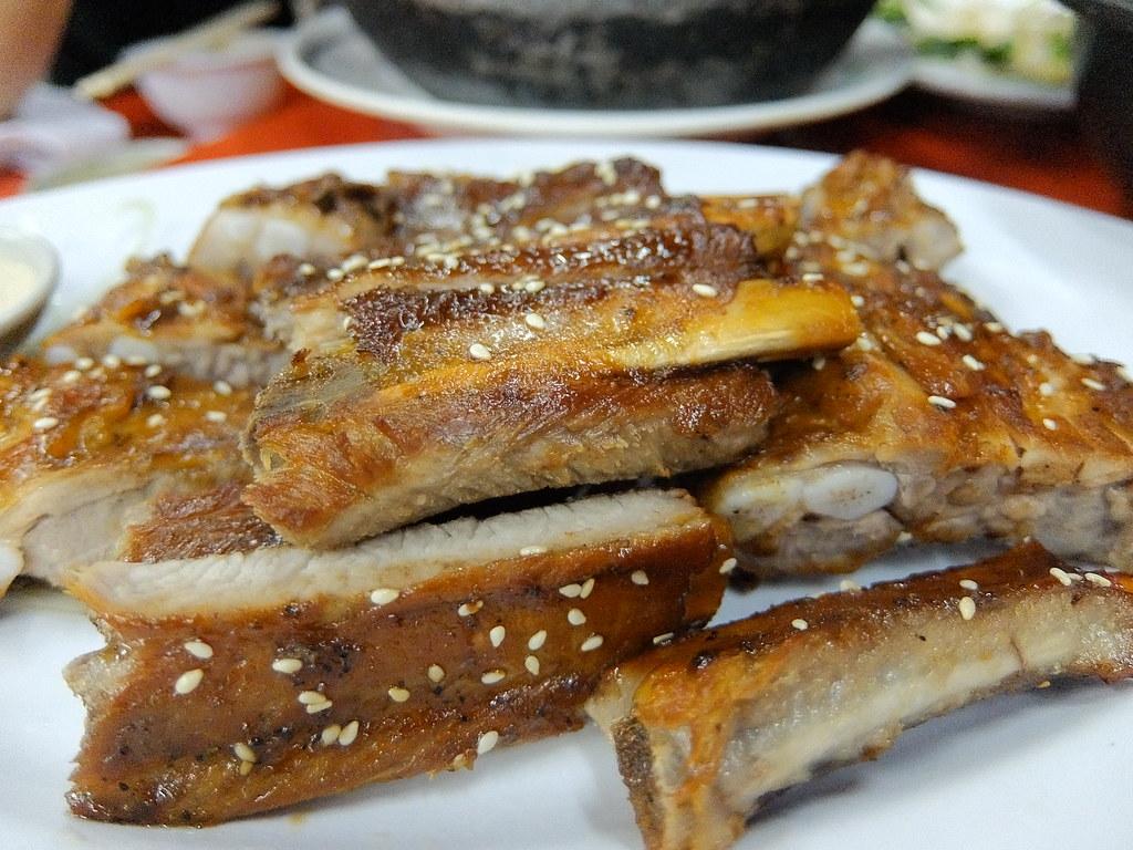 豬肋排,帶著點甜味...但肉乾一些