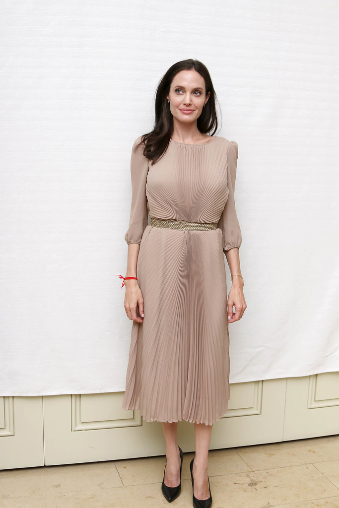 Анджелина Джоли — Пресс-конференция «Лазурный берег» 2015 – 45
