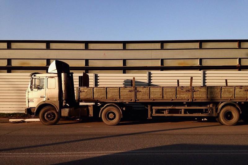 The Sun Always Shines In ReuToV #sunset #suburbs #truck