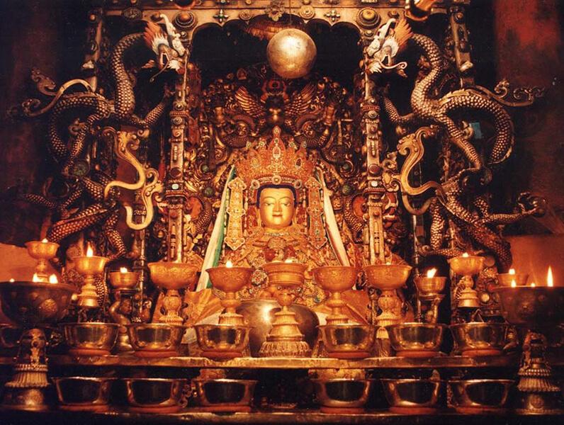 2015.12.09 ▐ Tibet 西藏踢北去 ▐ 尋找藏人真正的拉薩中心,被信仰力量震撼的大昭寺與舊城區 10.jpg