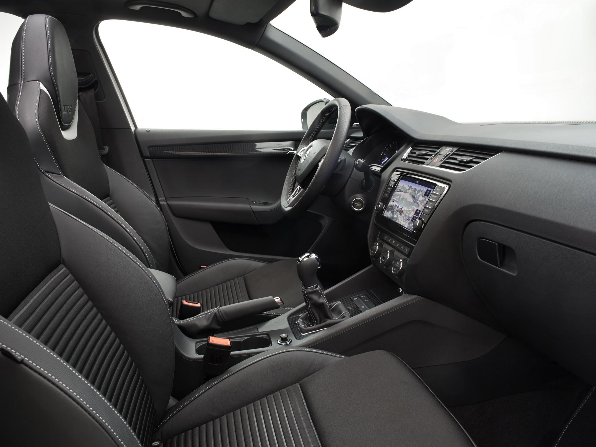 Интерьер Skoda Octavia RS A7