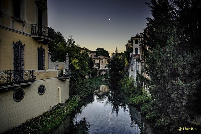 Padova: a corner under the moon