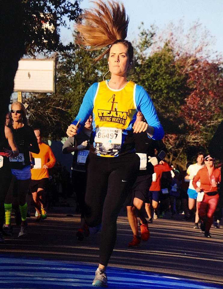 Lauren Paine running for Team LWI @ Houston Marathon