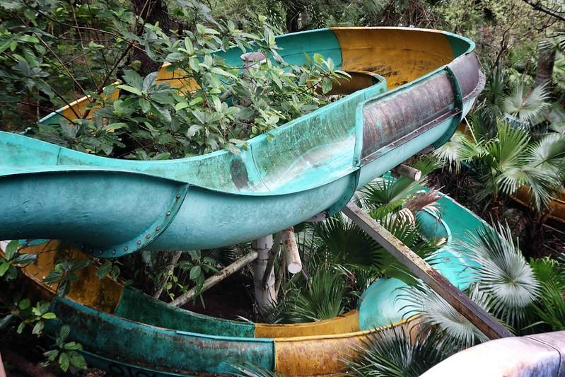 Hue - Ho Thuy Tien - Abandoned Water Park - Slides 4