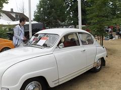 hindustan ambassador(0.0), automobile(1.0), vehicle(1.0), mid-size car(1.0), compact car(1.0), antique car(1.0), sedan(1.0), classic car(1.0), vintage car(1.0), saab 92(1.0), saab 96(1.0), land vehicle(1.0),