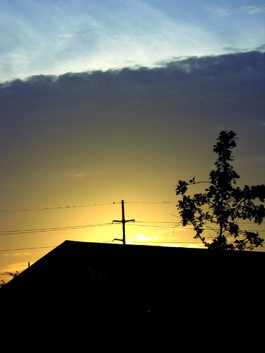 morning sky abstract clouds sunrise catchycolors batonrouge urbannature backlit lightplay mrgreenjeans birdsonawire gaylon gaylonkeeling