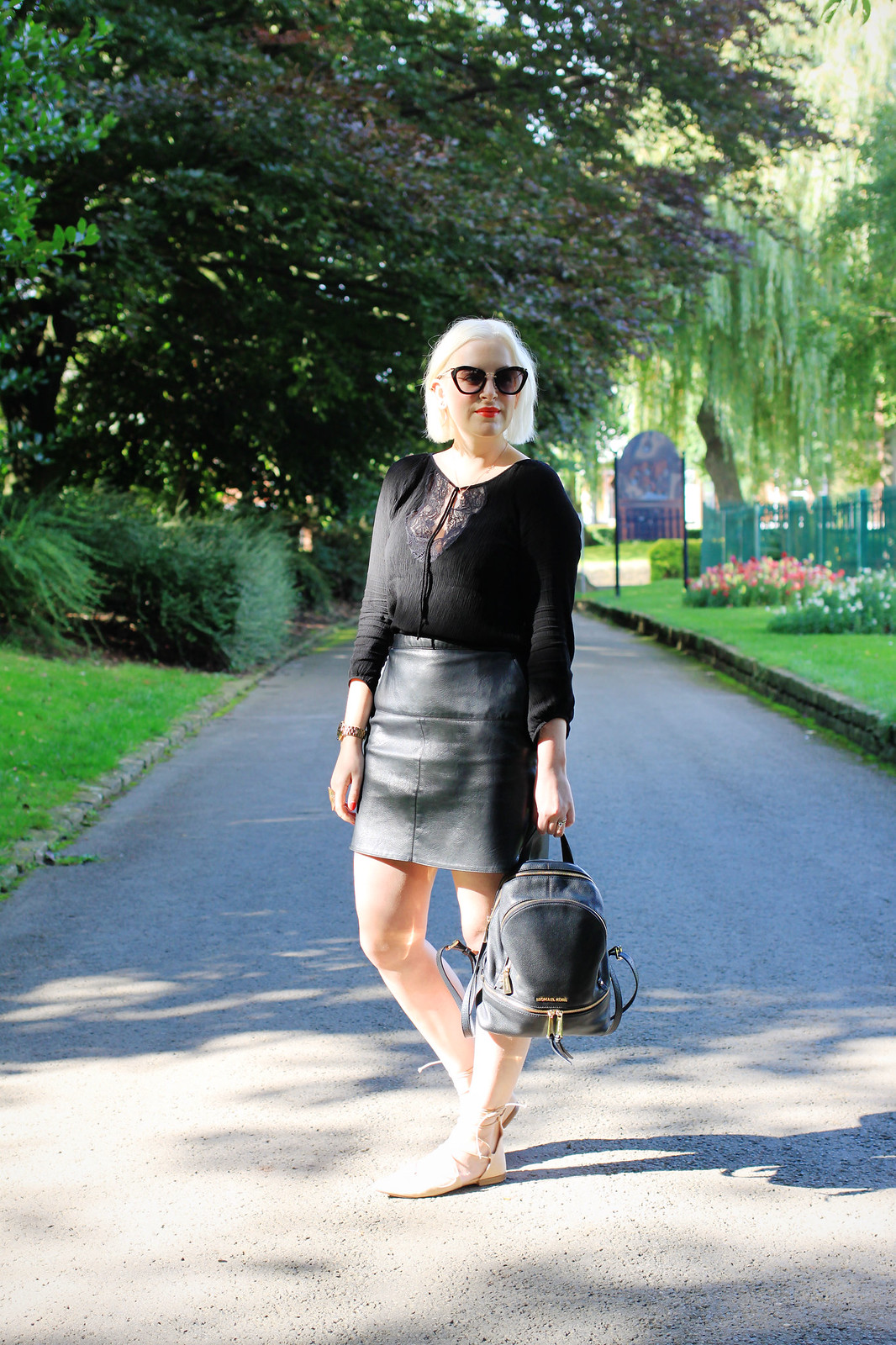 how to wear leather in summer