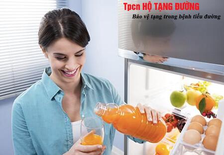 Nước ép trái cây chứa nhiều đường sẽ nhanh chóng làm tăng đường huyết